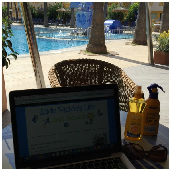 poolside blogging