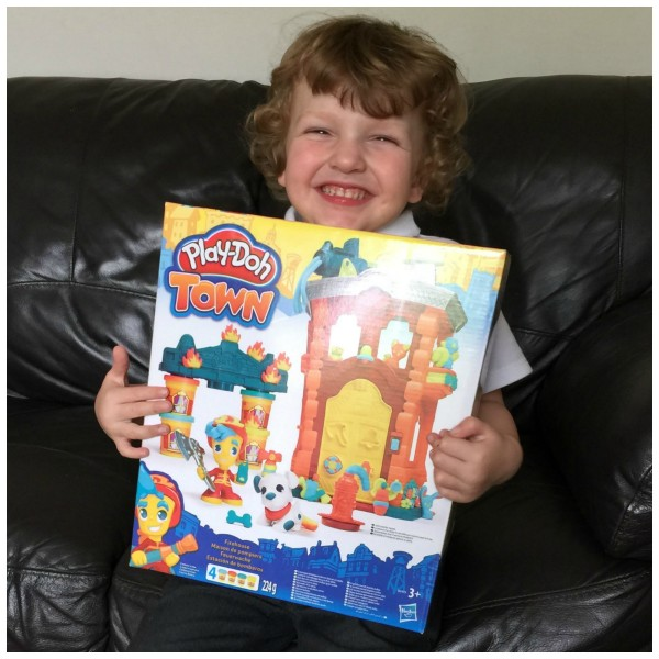 Play Doh Town Review