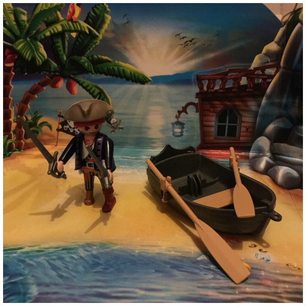PlayMobil Pirate Treasure Island Advent Calendar Review